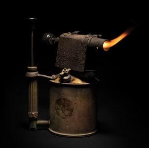 los deltonos fuego